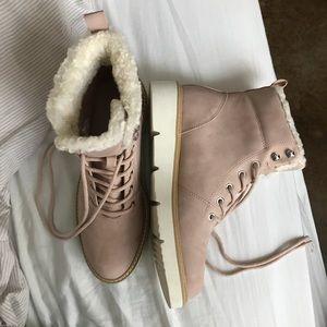 *brand new* ALDO light pink booties